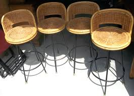 Outdoor Bar Height Swivel Chairs Bar Stools Resin Wicker Bar Stools Furniture Style Barcelona