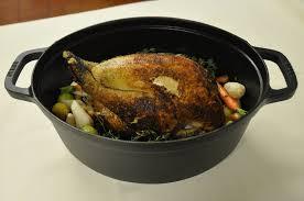 cuisiner une poularde pour noel menu de noël 2015 la volaille fermière en cocotte lutée thym et