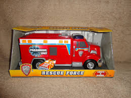 tonka fire rescue truck new tonka lights siren sounds rescue force red paramedic unit