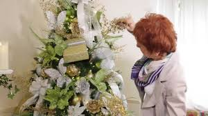 how to dress your christmas tree with beautiful christmas