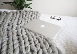 diy giant wool blanker tutorial how to arm knit this chunky