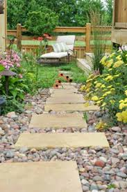 White Rocks For Garden by Best 25 Rock Pathway Ideas On Pinterest Rock Yard Rock Walkway