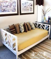 diy daybed plans white build a simple daybed free and easy project diy plans daybed