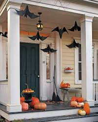 spooky halloween lettering 20 fun and spooky halloween porch decorating ideas blogs de