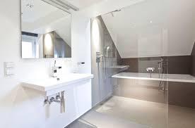 badezimmer mit dachschräge bad dachschräge modern charismatische auf moderne deko ideen oder
