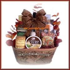 thanksgiving gift basket a world of thanks thanksgiving gift basket thanksgiving baskets