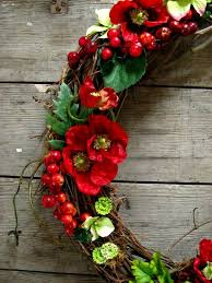 461 best welcoming wreaths images on pinterest wreath ideas