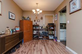 Funky Laminate Flooring Walter Funk 203 32124 Tims Avenue Abbotsford Mls R2130899 By