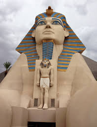 Luxor Vegas Buffet by Outside Entrance At Luxor Hotel Las Vegas Sphinx Pinterest