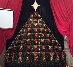 singing christmas tree singing christmas tree performance monday corinth today