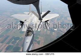 f 15 eagle receives fuel from kc 135 stratotanker wallpapers oregon air national guard f 15 eagle of the 173rd fighter wing