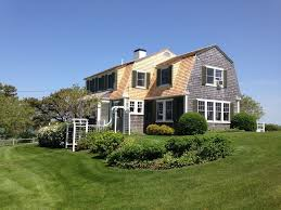 beachfront nantucket style cottage with amazing views on 3 acre