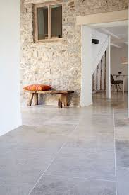 Best 25 Stone Interior Ideas by Best 25 Stone Tiles Ideas On Pinterest Natural Stone Tiles