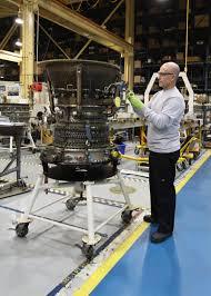 Turbine Engine Mechanic Frcse Tests Jet Engines Reduces Noise Pollution