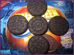 the holidaze halloween oreo cookies