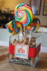 Birthday Table Decorations by Best 25 Circus Party Centerpieces Ideas On Pinterest Circus