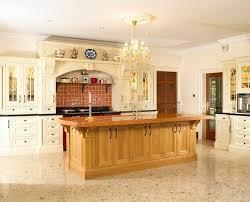relooker cuisine chene relooker une cuisine en chene free une cuisine typique des annes