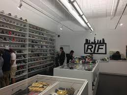 Consignment Shops Downtown Los Angeles La Sneaker Haven Rif Opens Up A Dtsa Location Oc Weekly