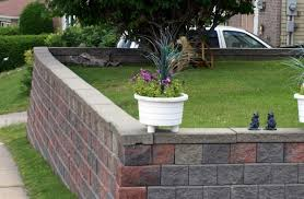 how to build a retaining wall from concrete blocks