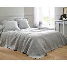 jeté de canapé alinea couvre lits jetés de lit large choix de couvre lits jetés de lit