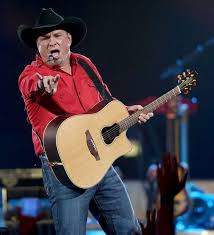 leave a light on garth brooks garth brooks show at san antonio s at t center was a highlight reel