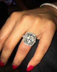 big rock rings images Biggest diamond ring 424 best jewelry of the rich and famous jpg
