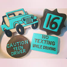 turquoise jeep 16th birthday cookies jeep cookies driving cookies by tiffany