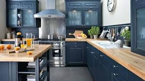 cuisine ardoise et bois cuisine avec plan de travail en bois élégant la cuisine en bois