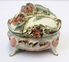 Shabby Chic Jewelry Display by 10 Best Vintage Jewelry Presentation Boxes Images On Pinterest