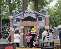 Six Flags October Newsplusnotes Six Flags Great Adventure U0027s Fright Fest Is Back For