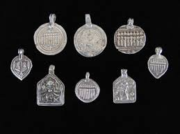 wl4242 wholesale lot of 8 antique silver rajasthani amulets
