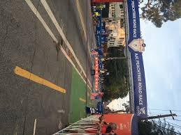 thanksgiving atlanta half marathon wheelchair race mcfadden wins 6th ajc peachtree road race george