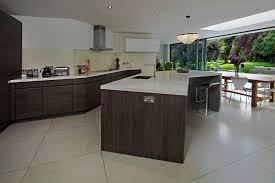 cuisine fonctionnelle petit espace cuisine cuisine fonctionnelle petit espace avec gris couleur