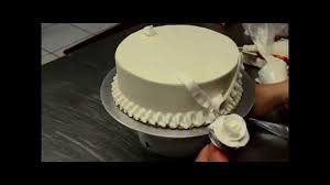 Just Like Home Design Your Own Cake by How To Decorate Simple Birthday Cake In Minutes Youtube