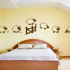 stickers mouton chambre bébé deco mouton bebe unique pochoir chambre bebe free decoration murale