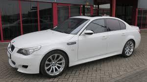 750176 bmw m5 e60 sedan smg 5 0l v10 507hp e60 09 05 white 63516km