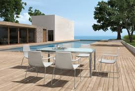 Modern Patio Dining Sets Enjoy A Relaxed Dining On The Patio With Modern Furniture La