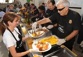 hundreds enjoy early thanksgiving at oxnard rescue mission