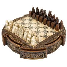 amazon com isle of lewis compact celtic chess set 9 inches toys