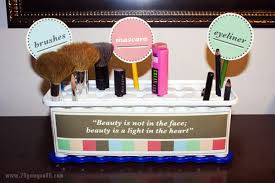 Makeup Vanity Ideas For Small Spaces 20 Clever Makeup Organizers U0026 Storage Ideas For Small Spaces