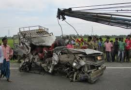 indian police jeep west bengal accident crpf jawan pregnant wife dead after police