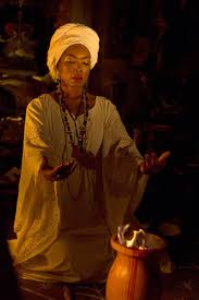angela bassett as marie laveau in coven american horror story cast