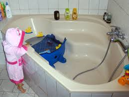 si e pour baignoire et sa fée des etincelles le réducteur de baignoire l agrandisseur
