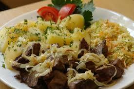 cuisine z wątróbka drobiowa z ziemniakami isurówką picture of hospoda w