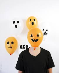 Halloween Birthday Balloons by Diy Halloween Balloons With Black Electrical Tape Party Ideas