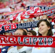 antirassismus sprüche fanwut sind bei rb leipzig antirassismus banner verboten welt