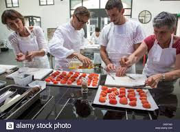 cours de cuisine grand monarque chartres preparing the tomatoes original cuisine with laurent clement cooking