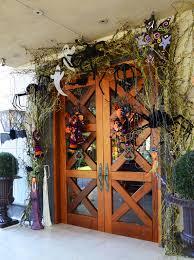 halloween front door decor idea from regina gust interior