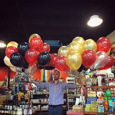 deliver ballons balloon bouquet delivery balloon decor gift shop in seattle