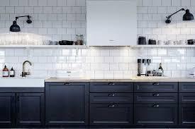 cuisine noir et blanc comment intégrer la couleur noir dans votre déco intérieure